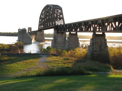 Railroad bridge at the Falls, 11/09