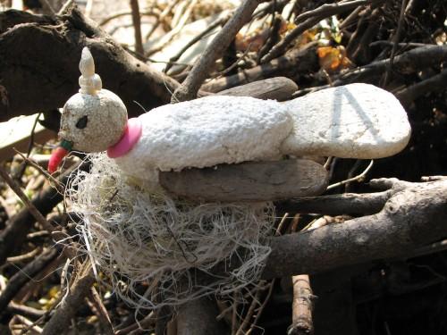 Fleur-di-lis Dovelette on nest, 11/09
