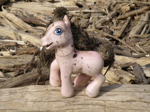 Pale Pink horse toy with brushable hair, Falls of the Ohio