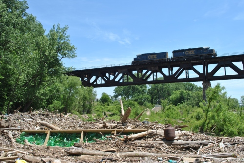 Diesel engines crossing the Falls of the Ohio, May 2015